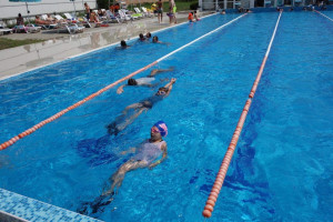 They fill a swimming pool in Burgas with