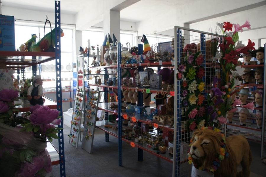 a77d48061d8 Бургаските данъчни налазиха магазини с китайски стоки